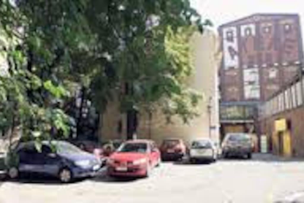 Svetogorska 19. garden, free parking  - the Atelier 1 Apartment