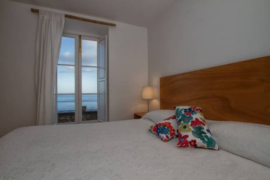 bedroom with sea vew