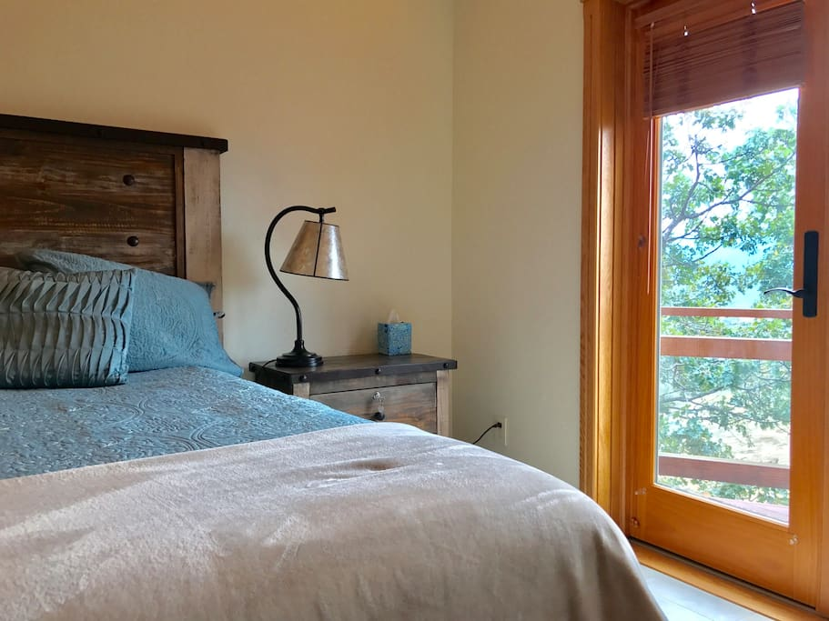 Perfect for a romantic getaway weekend. From your private balcony enjoy a bird's eye view of the entire Rogue Valley.