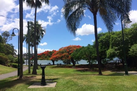 Stunning elegant place with Newstead Park view - Newstead