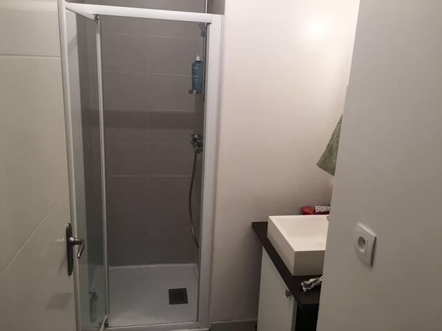T2 confortable proche de toutes commodités - Talence - Appartement en résidence