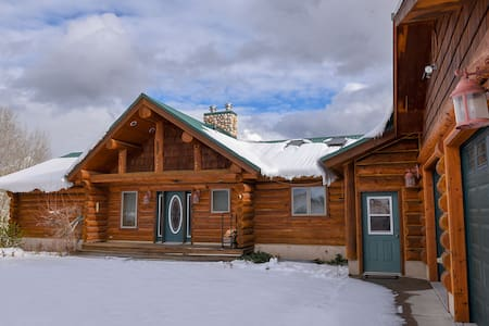 Western Log Cabin for Your Family or Group Visit!