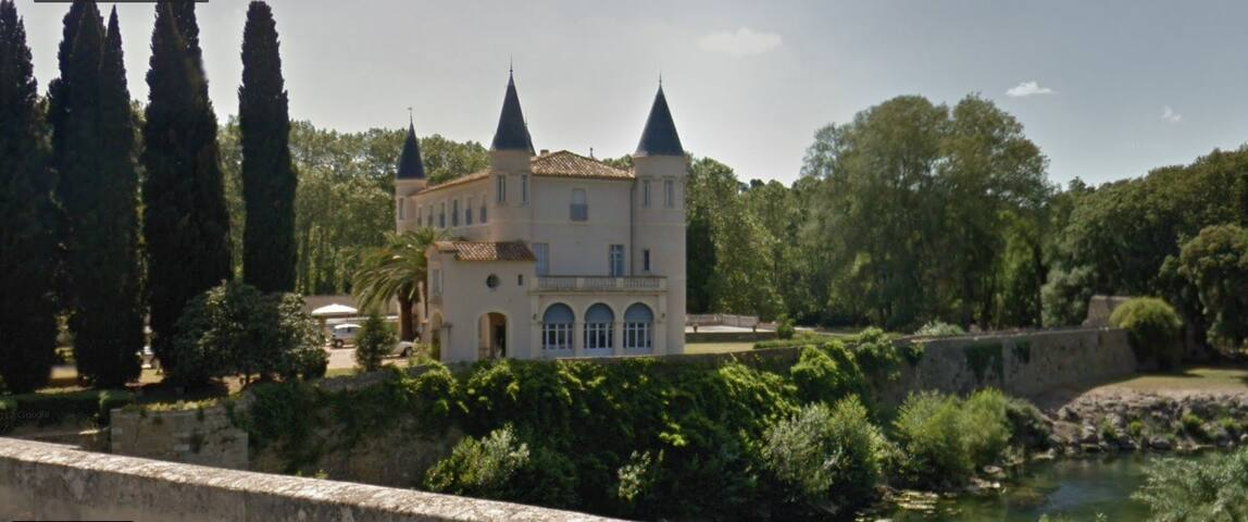 Château de Cabezac : restaurant gastronome, baignade et cave