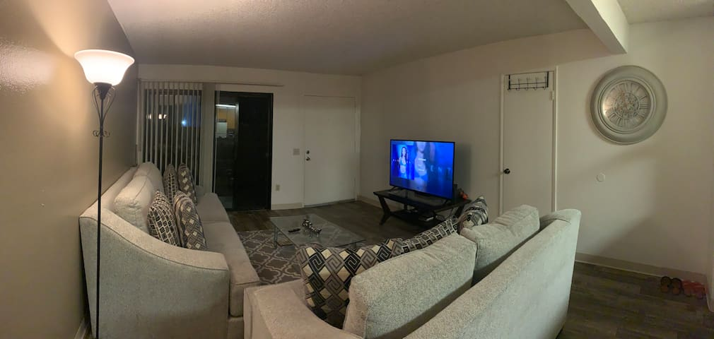 Super cozy fully furnished 2br in San Diego