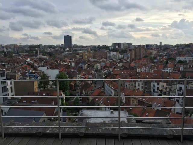 Big studio with great view & great terrace - Ixelles - Wohnung