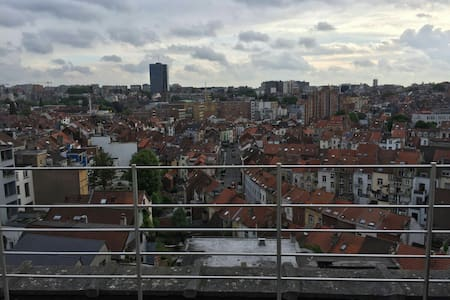 Big studio with great view & great terrace - Ixelles - Apartment