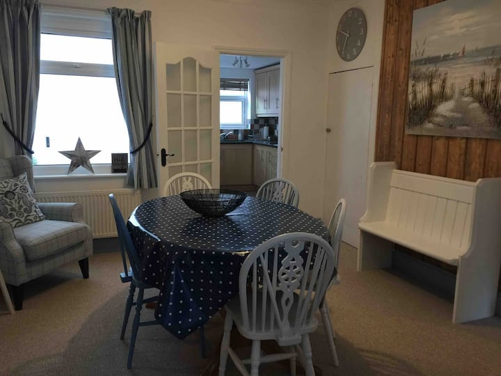 Cosy Sidmouth cottage 3 mins from the seafront