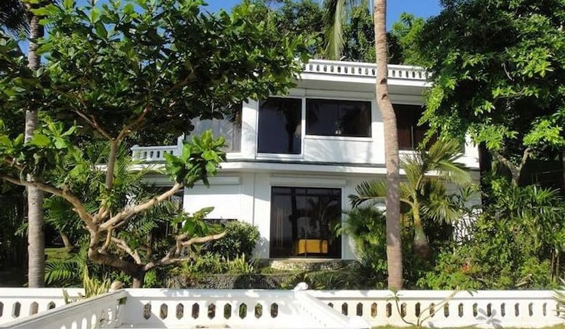 Sea view 3 bedroom villa in Boracay