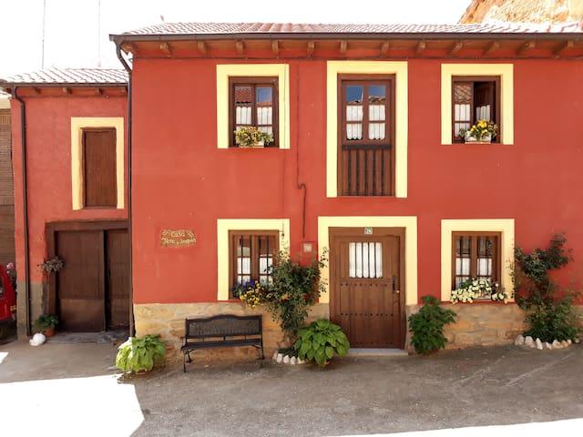 Casa Tere y Joaquín Ayoo de Vidriales  1