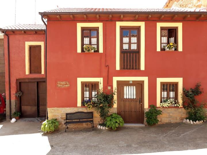 Casa Entera, Tere y Joaquín: ( Ayoó de Vidriales )