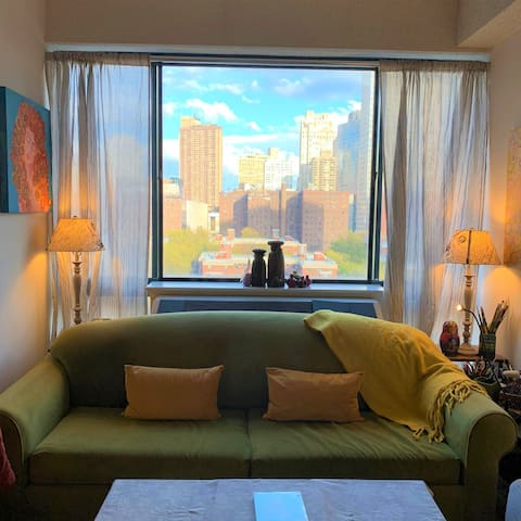 One bedroom apartment in UWS, Lincoln center
