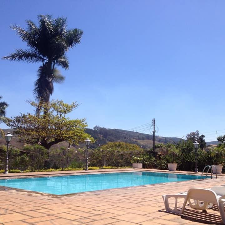 Casa de Campo com piscina / Monte Alegre do Sul