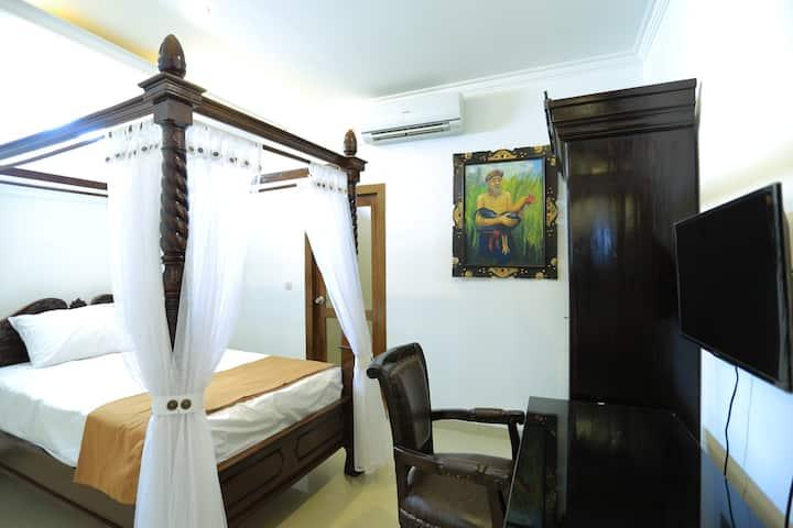 Standard Classic Luxury Room In Baciro Yogyakarta