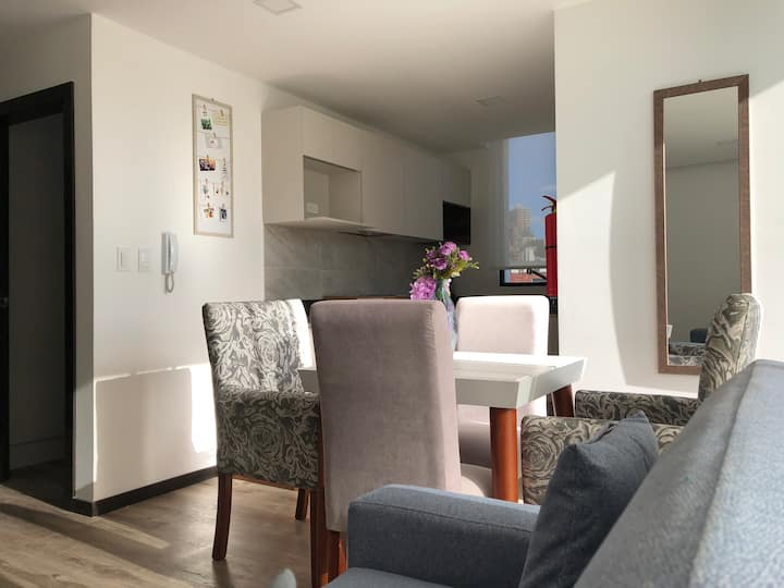 SUITE 2: BEAUTIFUL 9th FLOOR FAMILY PLACE IN QUITO