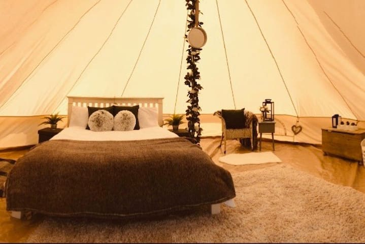 Beautiful Glamping Tents Tunbridge Wells (Skye)