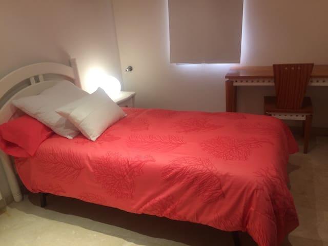Habitación privada en casa. - València - Casa