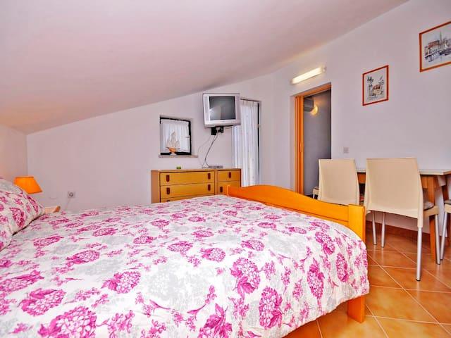 Apartments Ljiljana / A2 Two bedroom - Novigrad - Flat