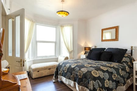 Near beach Sandown IOW(Double Room) - Sandown - 단독주택