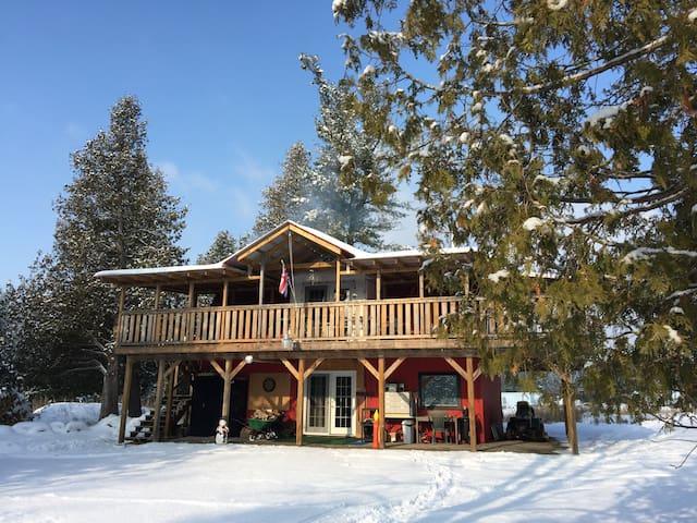 Country Loft: Getaway Retreat