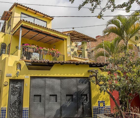 Intro Pricing for Perfect Home in Heart of Ajijic
