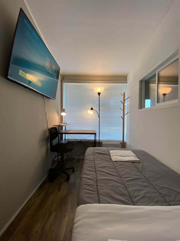 #107/New Bright and Clean Private Room #107