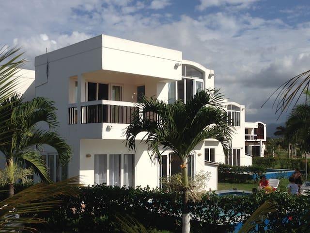 House for rent or sale in Tela, Honduras