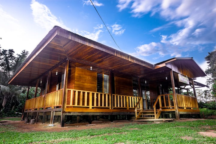 Quirquincho House a nice place in Tambopata