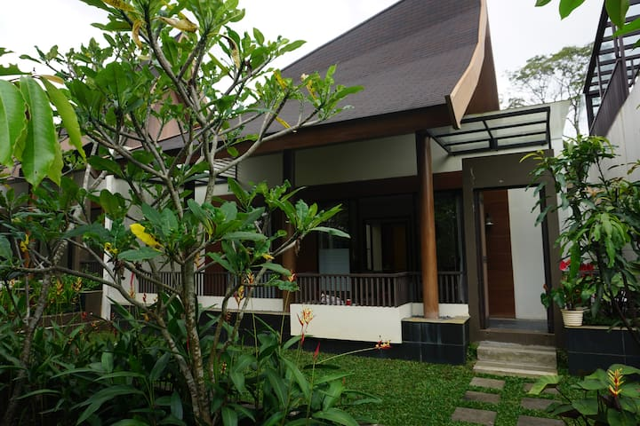 VIMALA HILLS VILLA, 2 BDR + LOTS OF EXTRA BED