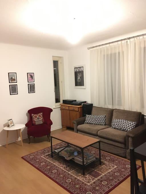 stylisches zimmer in stuttgart s d wohnungen zur miete in stuttgart baden w rttemberg. Black Bedroom Furniture Sets. Home Design Ideas
