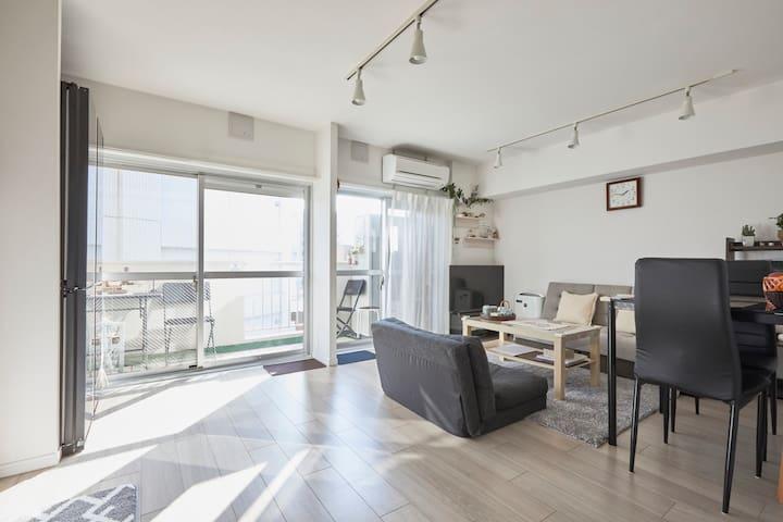 东京 新装2室一厅,大落地窗客厅,精简高配置贴心奕涵民宿 免押金