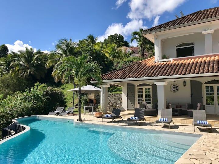 Villa standing, 8 pers. piscine, vue mer et golf