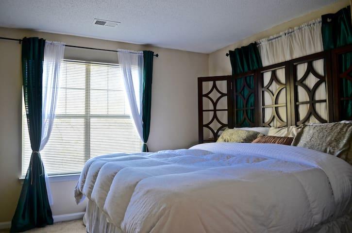 Cozy & Complete 2br+2bath near UNC - Carrboro - Apartment