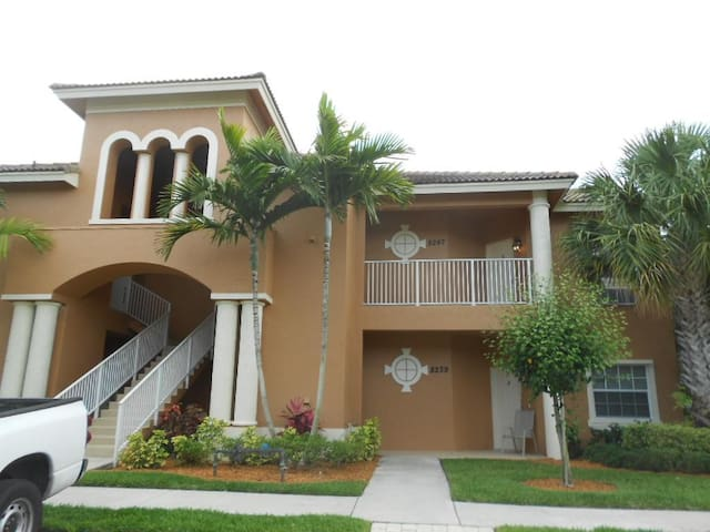 PGA National Golf Villas - Port St. Lucie - Flat