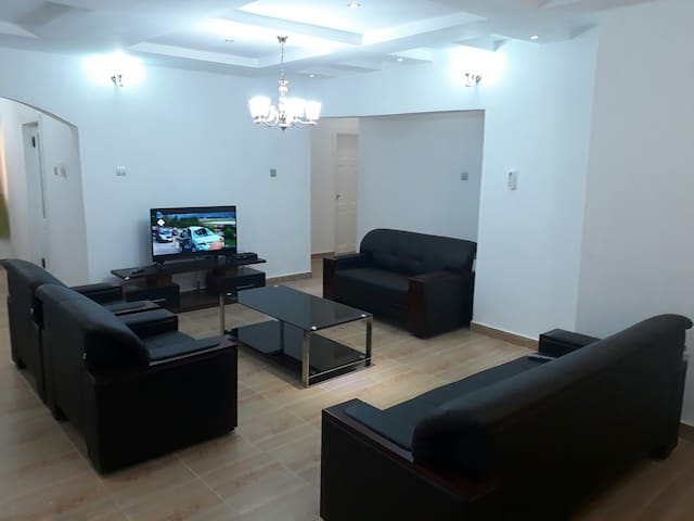 Don's Apartment 5, Fully serviced Penthouse, Lekki