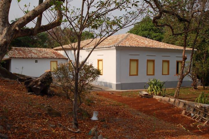 Casarão histórico revitalizado no Centro Histórico - Goiás