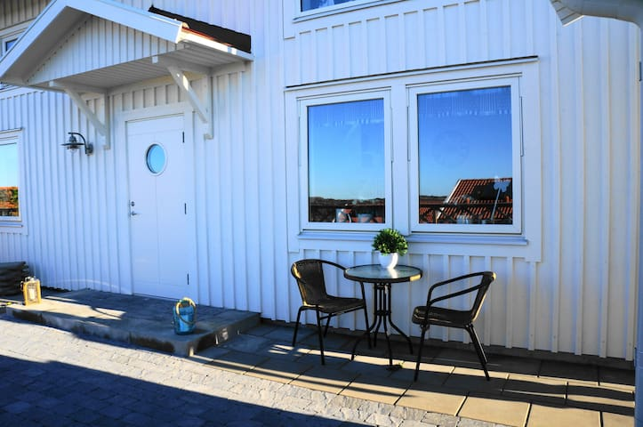 Big, lovely and modern house close to the sea - Sotenäs S - Hus