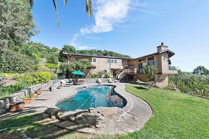 Resort Living with Pool, Spa & View - San Rafael - House