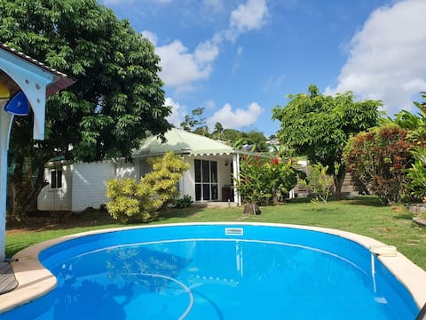 Ti case tropicale avec piscine