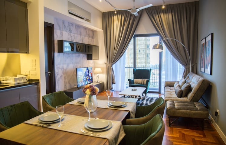 Mews#4: Best Airbnb in town! 10m to KLCC