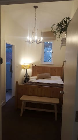 QUIET COSY ENSUITE QUEENS QUARTER - belfast - Apartment