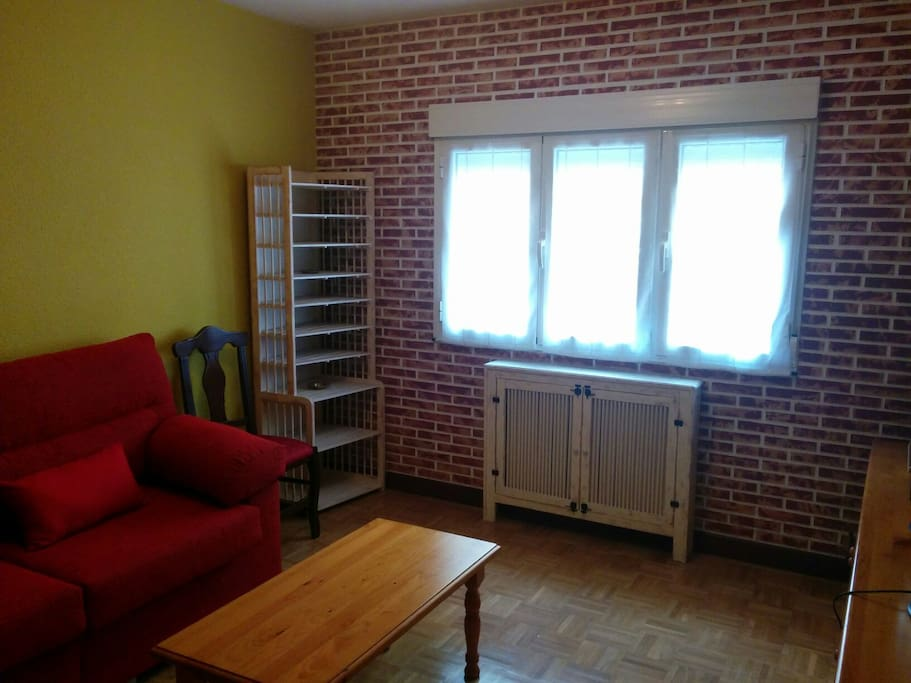 Alquiler piso impecable apartments for rent in gij n for Decoracion piso gijon