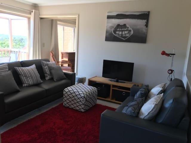 *Merimbula Views Budget Apartment*