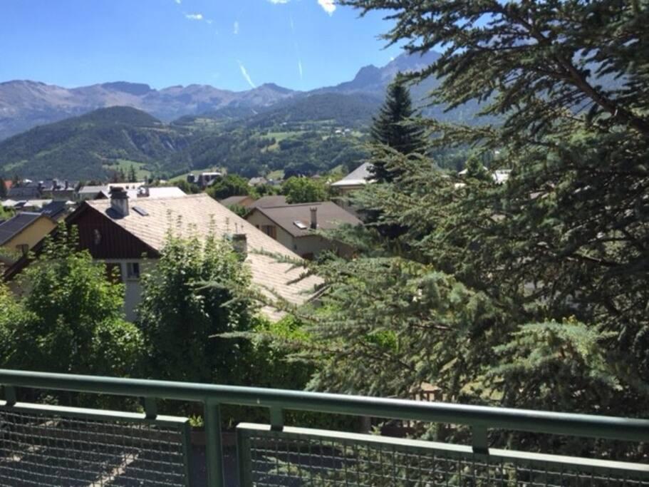 Villa meyronnes apartments for rent in barcelonnette for Piscine barcelonnette