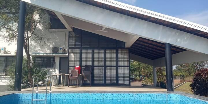 Rivercrest 4BHK Waterview Villa