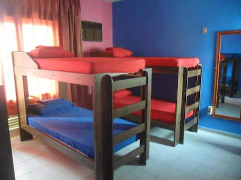 Cama em dormitório masculino, melhor preço