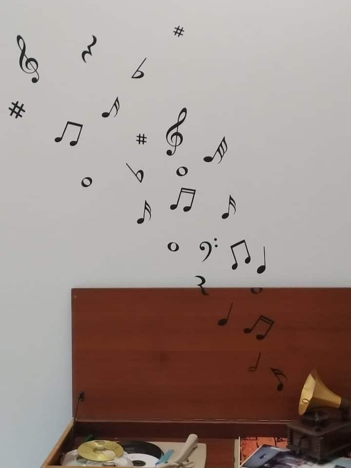LA STANZA DELLA MUSICA