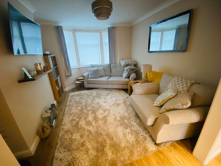 Double bed room in immaculate house