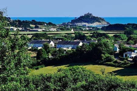 5 Bedrooms  with sea view of St Michaels Mount