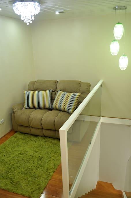upstairs entertainment area w/ reclinable La-Z-Boys