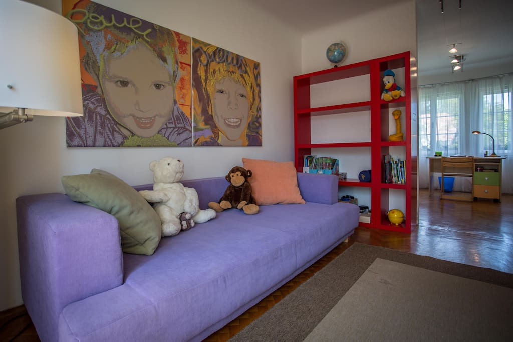 Sofabed for 2 kids